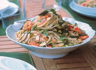 Ricetta Spaghetti gamberi e zucchine