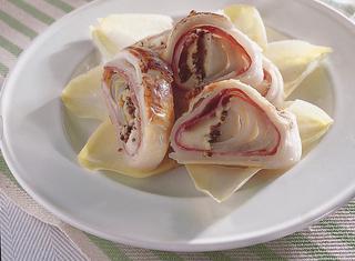 Ricetta Sfogliatine ripiene con insalata belga