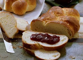 Ricetta Treccia di pane dolce al latte