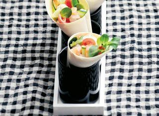 Tartare di pesce e verdure in cornetto di bambù