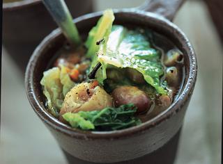 Zuppa di castagne e verze