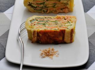Torta salata al salmone e zucchine