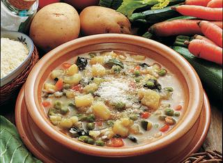 Minestra di patate riso e verdure
