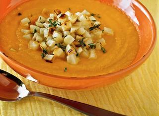 Vellutata di carote con crostini di patate
