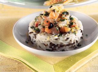 Sformatino di riso e tartare di pesce