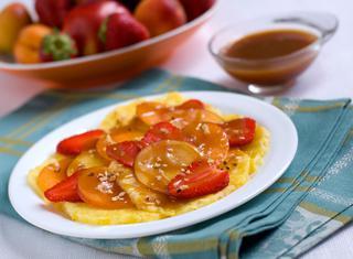 Carpaccio di frutta con salsa al caramello