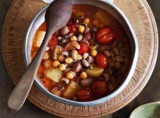 Ricetta La buzzega, zuppa di legumi
