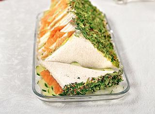 Tramezzini di salmone e avocado