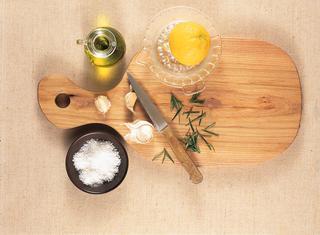 Salsa all'aglio, limone e rosmarino