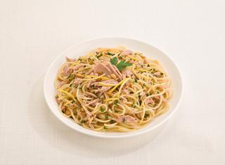 Ricetta Spaghetti al tonno, pinoli e limone