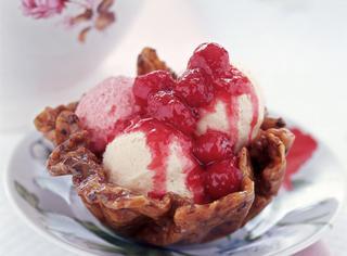 Ricetta Cestini di croccante con gelati