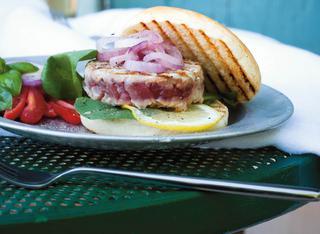 Hamburger di tonno alla griglia