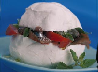 Ricetta Mozzarella ripiena al pomodoro e acciughe