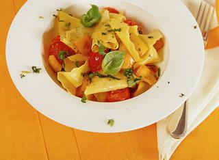 Straccetti di pasta con peperoni