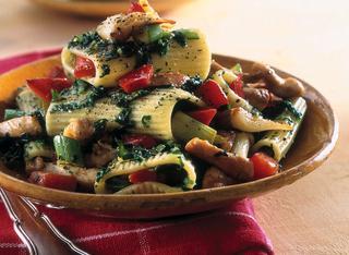 Ricetta Pasta con pollo, spinaci e peperone