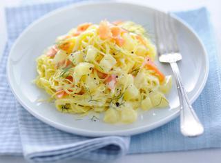 Ricetta Tagliolini al salmone e patate