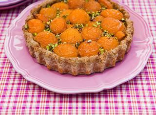 Crostata integrale di albicocche e mele verdi
