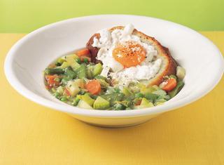 Zuppa di verdure con le uova