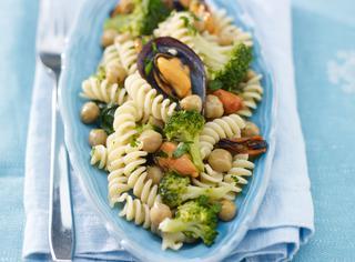 Ricetta Pasta con broccoli, ceci e cozze