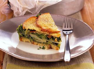 Teglia di pane e patate ai broccoli