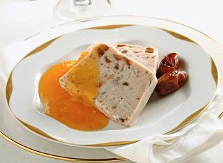 Ricetta Semifreddo alle castagne e datteri con salsa di kaki