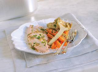 Filetti di trota al vapore con verdure ricetta