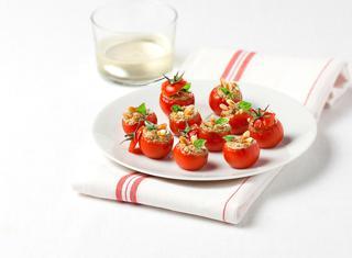 Ricetta Pomodorini ripieni di crema di pesto
