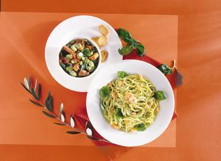 Ricetta Linguine al pesto con gamberetti