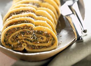 Rotolo ragù e spinaci