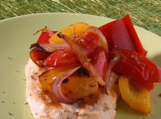 Ricetta Petto di pollo con peperoni e cipolle