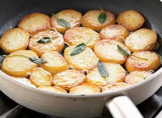 Patate in padella a rondelle
