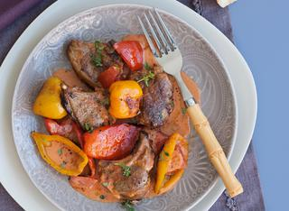 Agnello al forno con peperoni