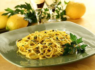 Spaghetti aglio olio e limone
