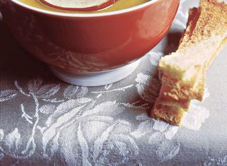 Zuppa piccante di mela e zucca