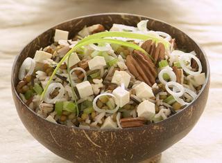 Ricetta Insalata di riso, lenticchie e tofu
