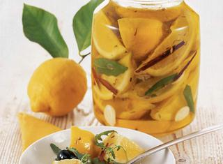 Ricetta Limoni sott'olio all'aglio e alloro