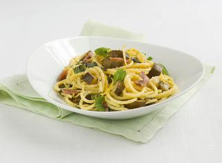 Pasta alle zucchine arrostite, acciughe e menta
