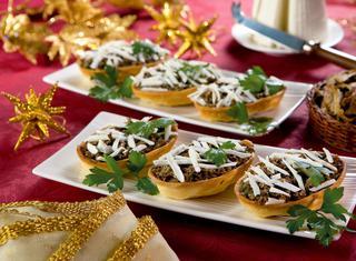 Barchette con salsa ai funghi porcini