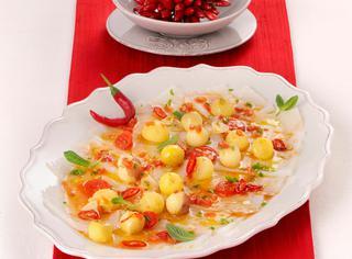 Carpaccio di baccalà in salsa calda al peperoncino