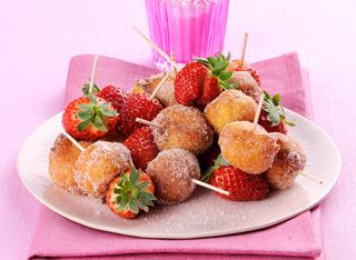 Frittelle di ricotta con le fragole
