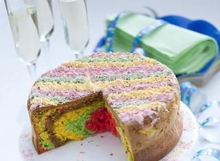 Torta soffice arcobaleno