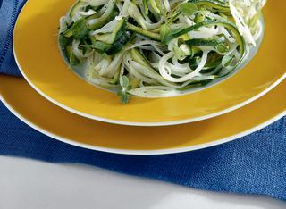 Tagliatelle di riso con zucchine