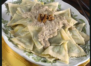 Ricetta Pansotti di magro alla ligure con salsa di noci