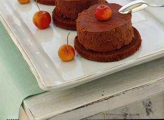 Tortine con mele e cioccolato