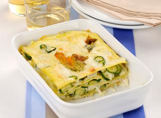 Lasagne con fiori e zucchine