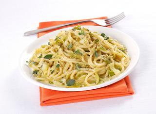 Spaghetti di kamut ai cipollotti