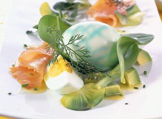 Uovo sodo, marmorizzato, in insalata