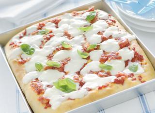 Pizza Margherita classica alta e soffice
