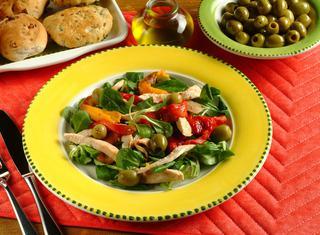 Insalata di peperoni e olive