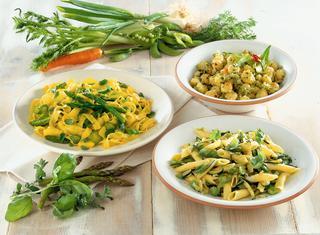 Tagliatelle al sugo con asparagi e zafferano